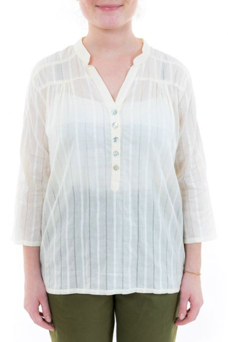 Blouse femme broderies et boutons nacre zoom